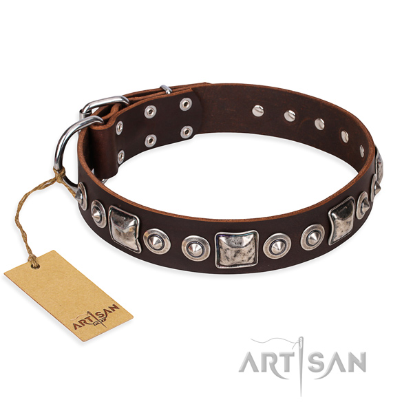 Leather dog collar made of high quality material with rust-proof D-ring