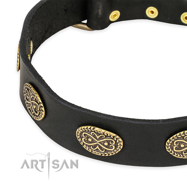 Fine quality full grain genuine leather collar for your attractive pet