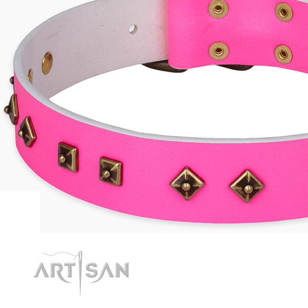 Comfortable full grain genuine leather collar for your stylish pet